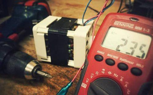 وحدة قياس شدة التيار الكهربائي